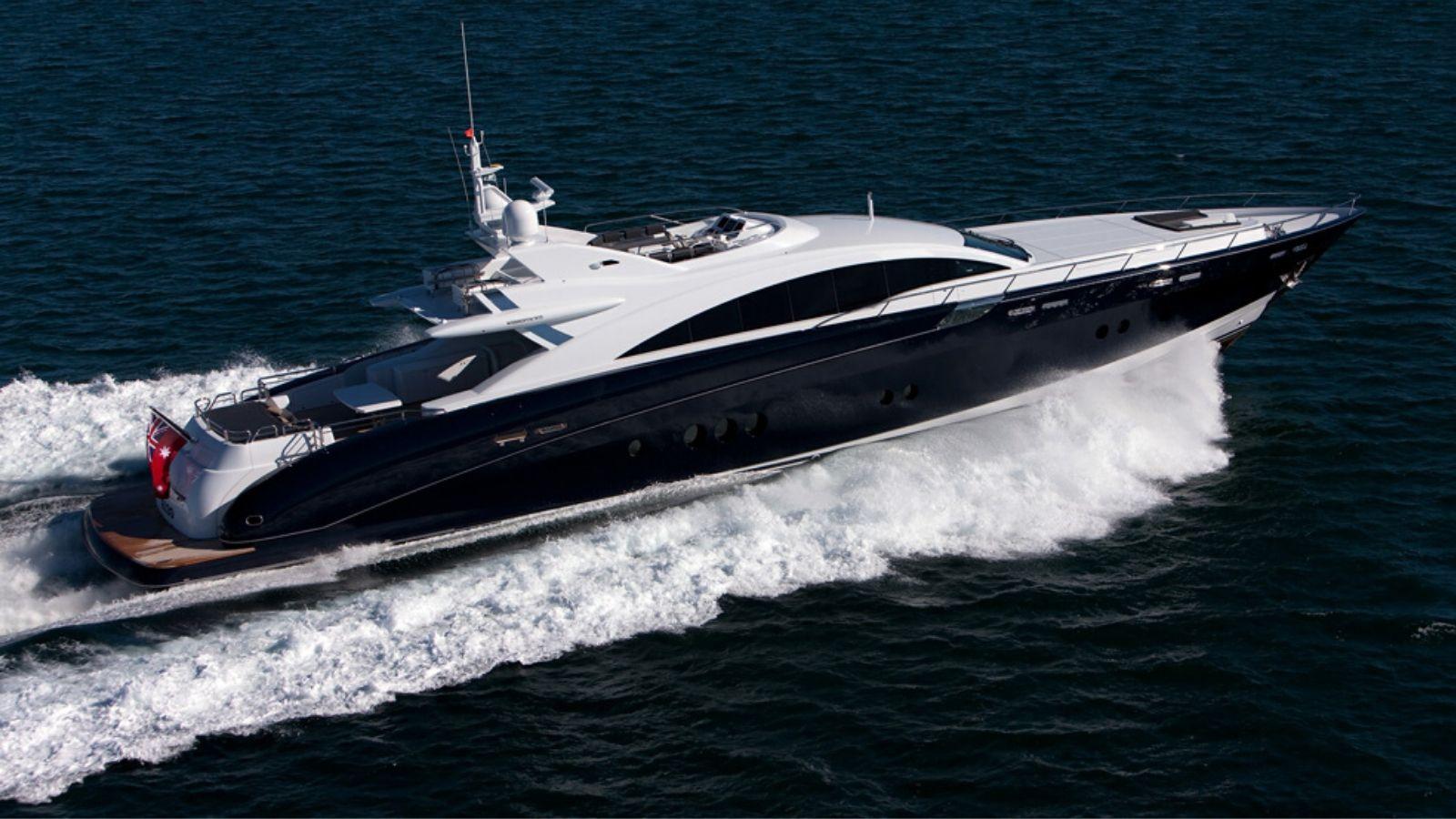 36.5m Superyacht Quantum Motoring